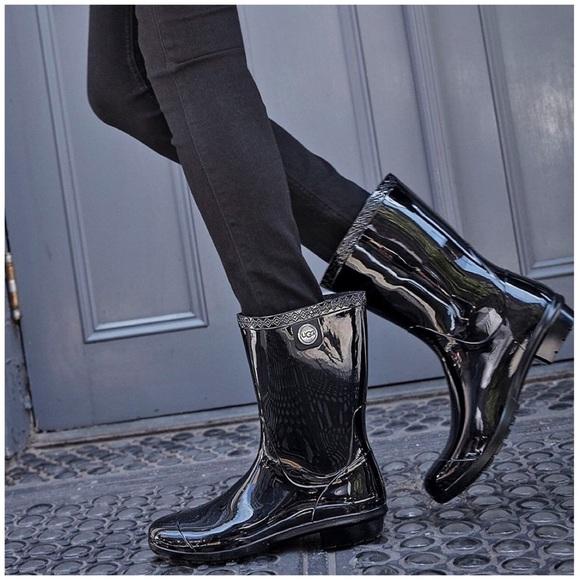 2605dc143ce NWOB UGG Sienna Rain Boot